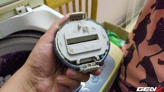 Dùng máy giặt bao nhiêu năm, bạn đã từng thử tháo cục này ra chưa? Nếu chưa thì đừng shock nhé - Ảnh 5.