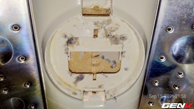 Dùng máy giặt bao nhiêu năm, bạn đã từng thử tháo cục này ra chưa? Nếu chưa thì đừng shock nhé - Ảnh 4.