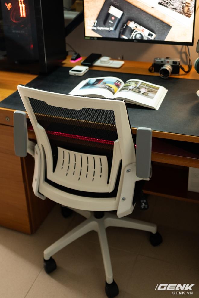 Đặt online ghế văn phòng hết 1,39 triệu đồng: Đẹp mã nhưng ngồi chưa đã - Ảnh 18.