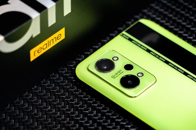 realme GT Neo2 ra mắt: Thiết kế mới, màn hình AMOLED 120Hz, Snapdragon 870, sạc nhanh 65W, giá từ 8.5 triệu đồng - Ảnh 2.