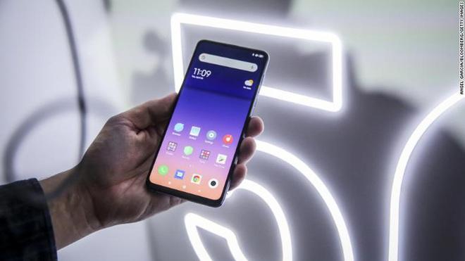 Lithuania kêu gọi người dân tuyệt đối không mua smartphone Trung Quốc, cần vứt bỏ ngay nếu đang dùng - Ảnh 1.