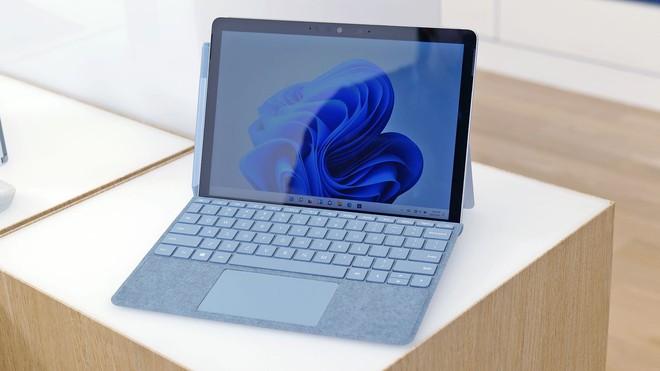 Surface Go 3 ra mắt: Thiết kế gọn nhẹ, Intel Core i3, pin 11 tiếng, giá từ 9.1 triệu đồng - Ảnh 1.