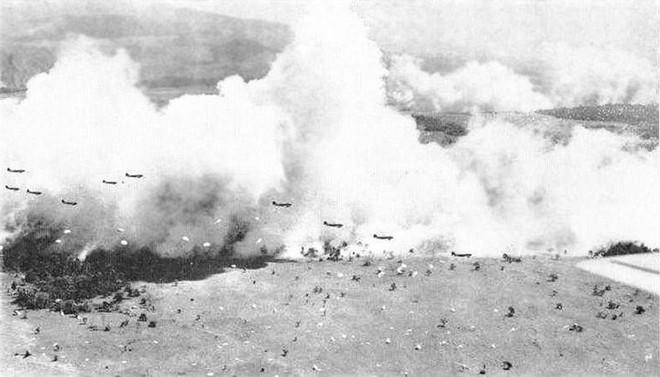Vào năm 1923, quân đội Mỹ đã tạo ra một bức tường lớn trên bầu trời ngăn cách đại dương, có thể làm mù mắt tàu chiến! - Ảnh 4.