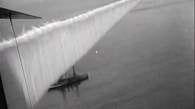 Vào năm 1923, quân đội Mỹ đã tạo ra một bức tường lớn trên bầu trời ngăn cách đại dương, có thể làm mù mắt tàu chiến! - Ảnh 5.