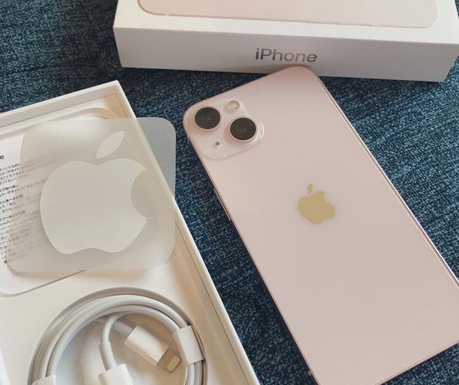 iPhone 13 bắt đầu đến tay người dùng trên thế giới - Ảnh 13.