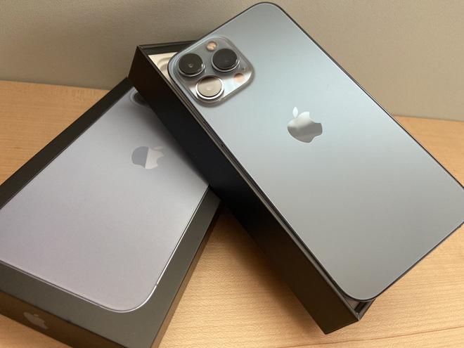 iPhone 13 bắt đầu đến tay người dùng trên thế giới - Ảnh 8.