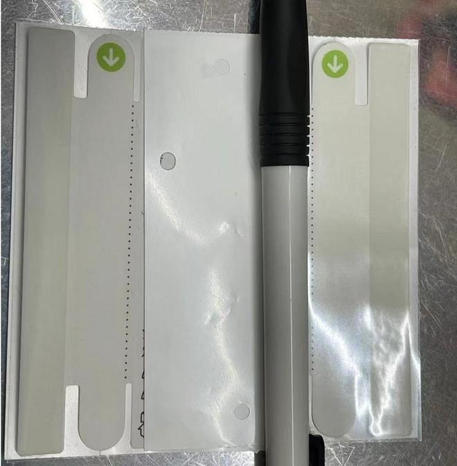 Mới ra vài ngày, seal iPhone 13 đã bị người Trung Quốc làm giả: Giá chỉ 7.000 đồng, dán 1 phút là xong - Ảnh 2.