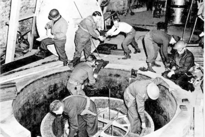 Giống như phim Avengers, các nhà khoa học Mỹ đang nghiên cứu những khối uranium mà Đức Quốc xã định dùng làm bom nguyên tử trong Thế chiến II - Ảnh 1.