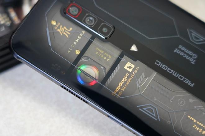 Red Magic 6S Pro ra mắt: Màn hình 165Hz, Snapdragon 888+, tản nhiệt kép, giá từ 14.1 triệu đồng - Ảnh 8.