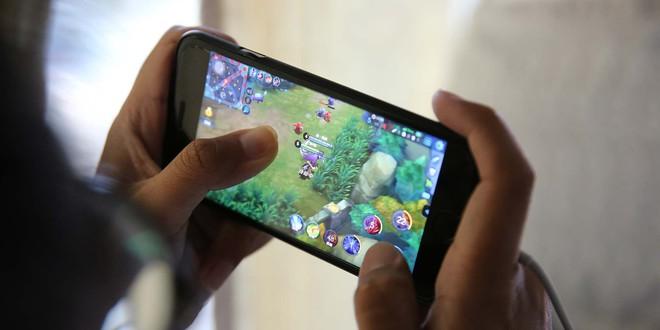 Giới hạn giờ chơi game của trẻ em biến cuối tuần trở thành thảm họa cho các game thủ Trung Quốc - Ảnh 1.