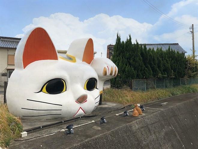 Maneki-Neko là gì? Hãy khám phá nguồn gốc hấp dẫn của chú mèo may mắn đến từ Nhật Bản - Ảnh 10.