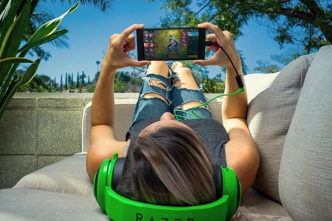 Màn hình là một trong những đặc điểm ấn tượng nhất của RazerPhone.
