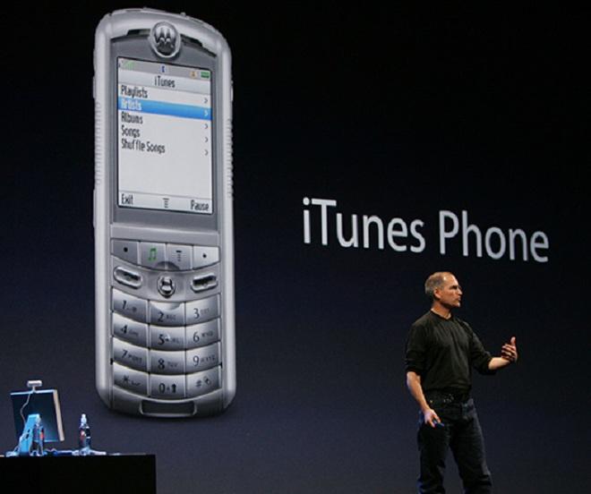 Nhắc đến điện thoại lai iPod, iPhone chỉ là kẻ đến sau.