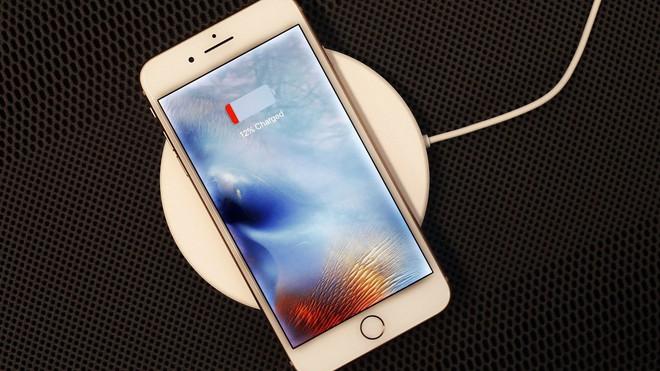 [CHÍNH THỨC] Apple đưa ra lý do tại sao họ làm chậm iPhone cũ: tất cả là tại cục pin, làm thế để trải nghiệm người dùng thoải mái hơn - Ảnh 2.