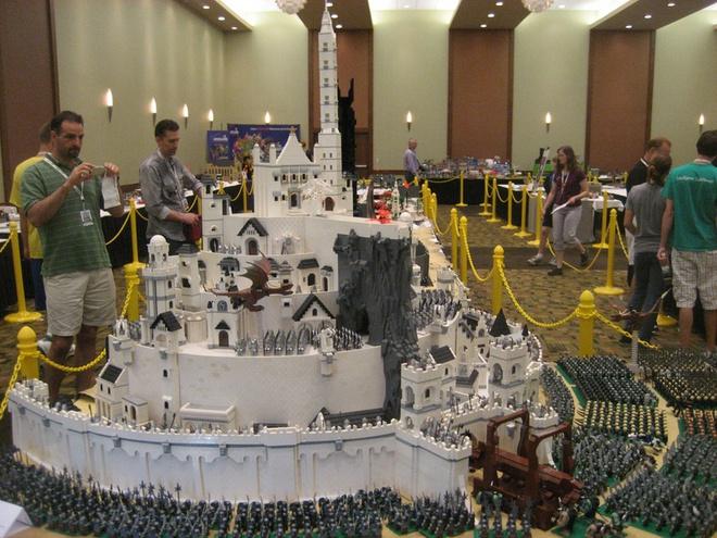 Khi có được khả năng điều khiển vật chất này, thế giới sẽ biến thành một bộ đồ chơi Lego khổng lồ.