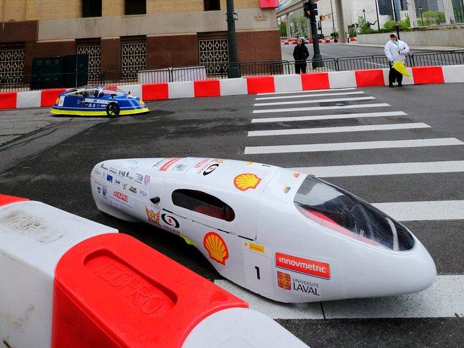Chiếc xe chiến dành chiến thắng tại vòng thi giám sát.