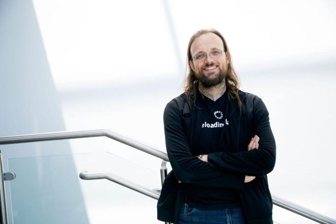 Jay Freeman - nhà sáng lập Cydia