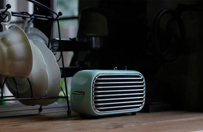 Với bộ khuếch đại 20W (hai bộ khuếch đại 10W) xử lý đầu ra âm thanh, Lofree Poison cho ra âm thanh rộng hơn các loa khác có kích thước tương tự.