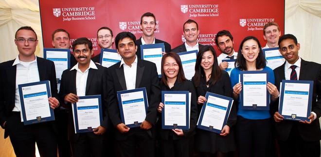 Microsoft đã tham gia tài trợ cho rất nhiều chương trình học bổng tại Đại học Cambridge danh giá.