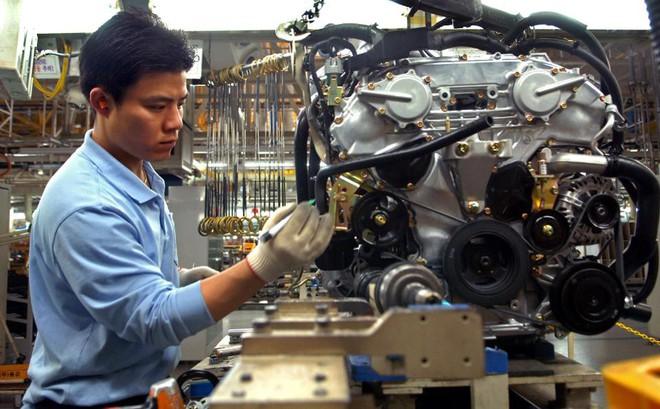 Công nhân tại phân xưởng lắp ráp xe hơi Renault Samsung Motors tại Busan, Hàn Quốc