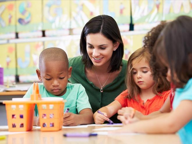 Học trực tiếp với giáo viên mang lại hiệu quả tốt hơn học từ xa.