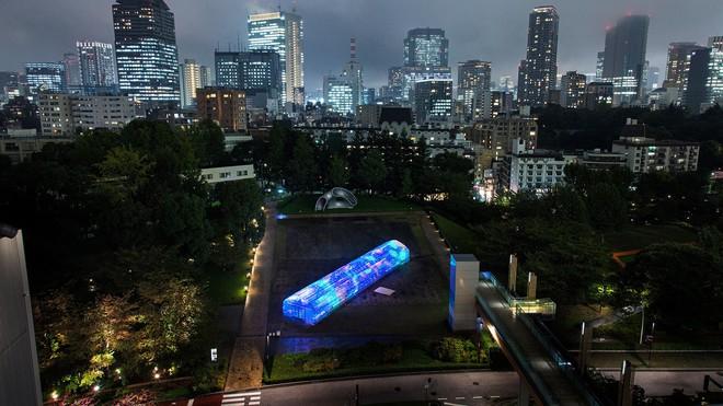 Căn nhà kính nổi bật tại thủ đô Tokyo
