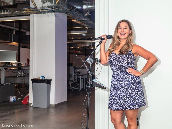 Đối với những người yêu âm nhạc tại Yelp, luôn luôn có sẵn phòng với các thiết bị karaoke hiện đại nhất.