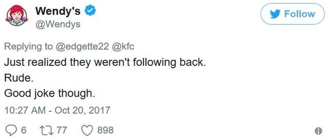 Vừa mới nhận ra là họ không hề follow lại bên mình, thật là thô lỗ...