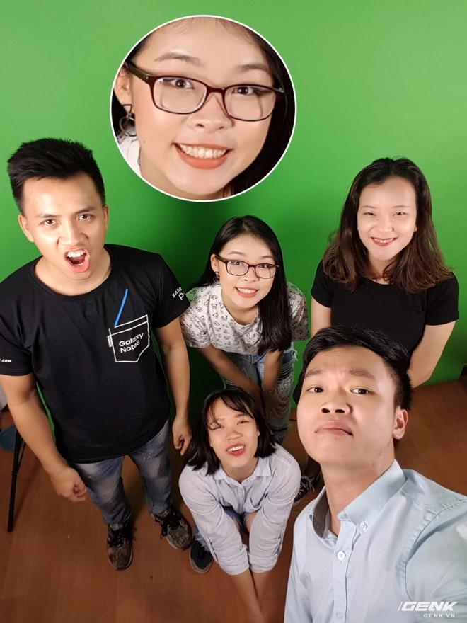 Khả năng selfie của máy đáng tiếc là chỉ ở mức trên trung bình vì thuật toán xử lý khá cũ. Màu sắc cho ra trông không chân thực lắm, vẫn thiên về ám vàng, không hợp với màu da người châu Á. Máy cũng chưa được cập nhật bộ tính năng như selfie với sticker hay xóa phông ảo mà Samsung đã mang lên J 2017 series.