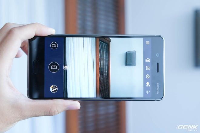 Cảm biến đơn sắc giúp tăng cường chất lượng ảnh chụp thông thường và hỗ trợ chụp ảnh đen trắng.