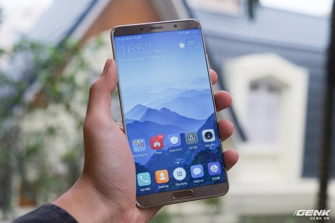 Đây là chiếc Huawei Mate 10 phiên bản màu vàng