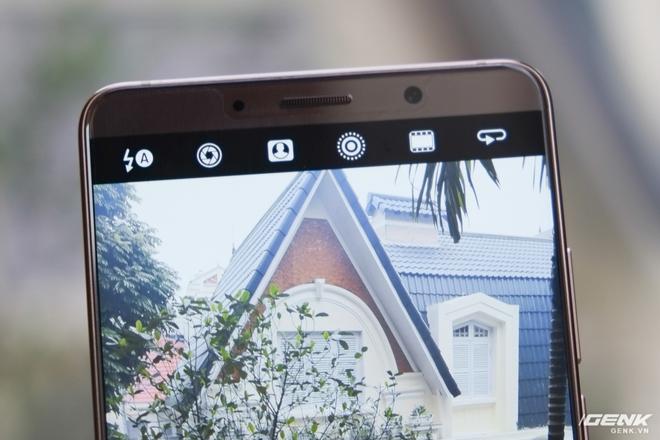 Một số tính năng như chỉnh tay, chế độ chân dung, ảnh động được Huawei đặt lên thanh công cụ trên cùng
