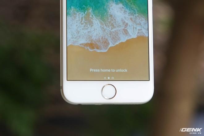 Cảm biến vân tay Touch ID thế hệ đầu tiên của iPhone 6 có tốc độ nhận dạng khá chậm và thiếu ổn định
