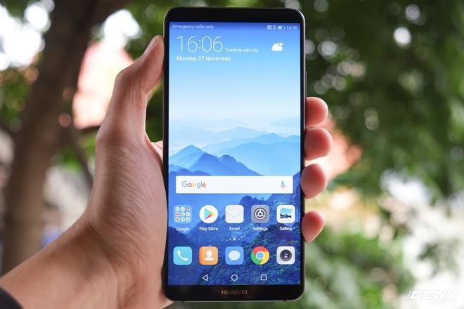 Mate 10 Pro sở hữu màn hình 6 inch, công nghệ OLED, độ phân giải 1080 x 2160 (18:9)