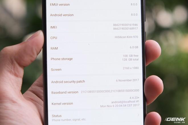 Mate 10 Pro sở hữu cấu hình gồm chip Kirin 970, RAM 6GB, ROM 128GB. Máy chạy bộ phần mềm EMUI 8.0 của Huawei trên nền Android 8.0 Oreo mới nhất