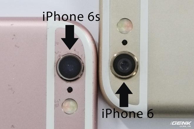 Ở chiếc iPhone 6s với vỏ zin, người dùng sẽ chỉ thấy một màu đen sâu thẳm khi nhìn vào camera. Trên iPhone 6 và đa phần vỏ lô hiện nay, sẽ có một phần viền xám bao quanh.