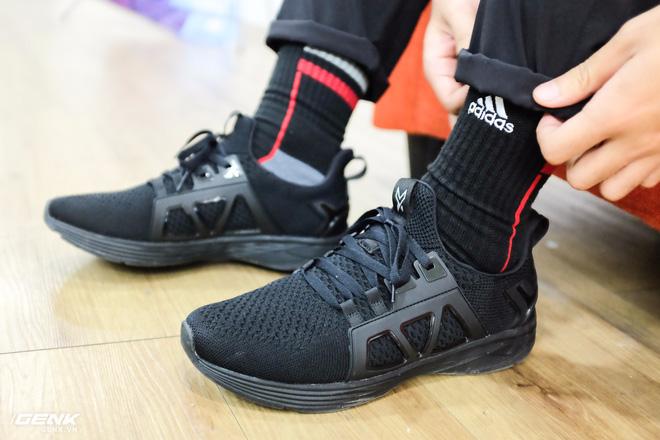 Đánh giá chi tiết 1 trong 100 đôi Bitis Hunter X Midnight Black đầu tiên: đế giống Nike đến lạ, chất lượng tốt, giá chưa đến 1 triệu - Ảnh 35.