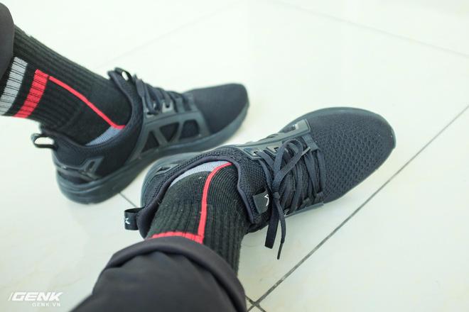 Đánh giá chi tiết 1 trong 100 đôi Bitis Hunter X Midnight Black đầu tiên: đế giống Nike đến lạ, chất lượng tốt, giá chưa đến 1 triệu - Ảnh 36.