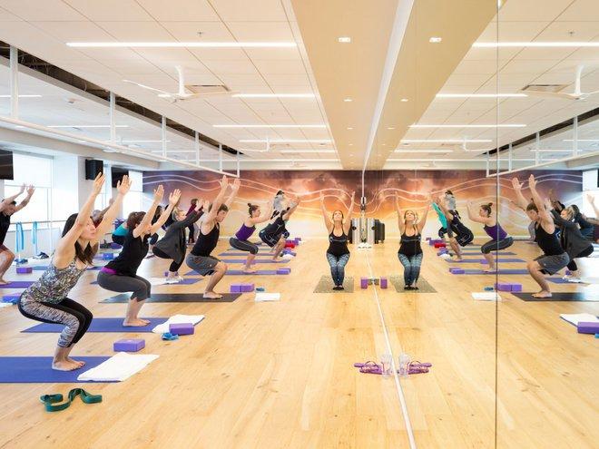 Nhân viên của Adobe tại trụ sở San Jose, California có thể đến phòng tập thể dục miễn phí trong thời gian nghỉ trưa.