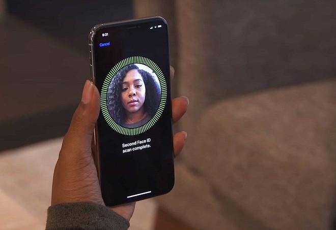 Nếu Apple cũng chọn cách nổ súng non như Huawei, Face ID có lẽ đã được công bố từ trước iPhone SE (hoặc iPhone 7).