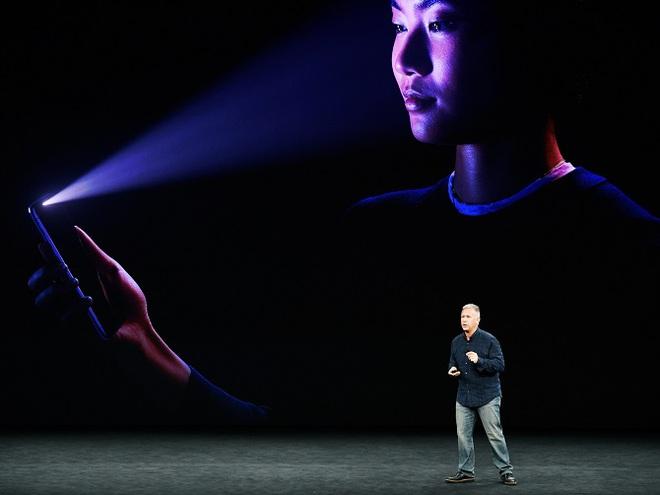 Vẫn là một cử chỉ như Galaxy S8 hay những chiếc điện thoại nhận diện khuôn mặt/nhận diện mắt khác...