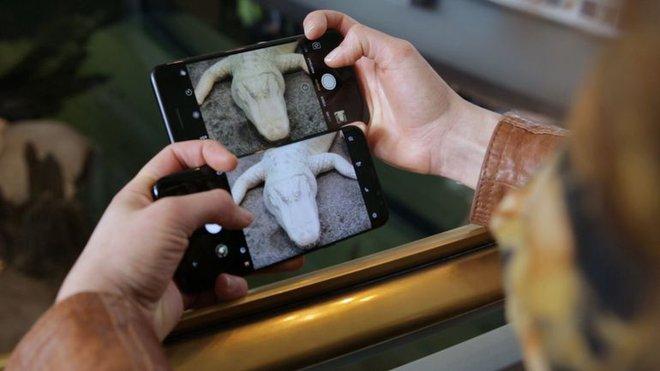 Thành công của iPhone và Galaxy đều dựa trên quyền kiểm soát cao về phần cứng
