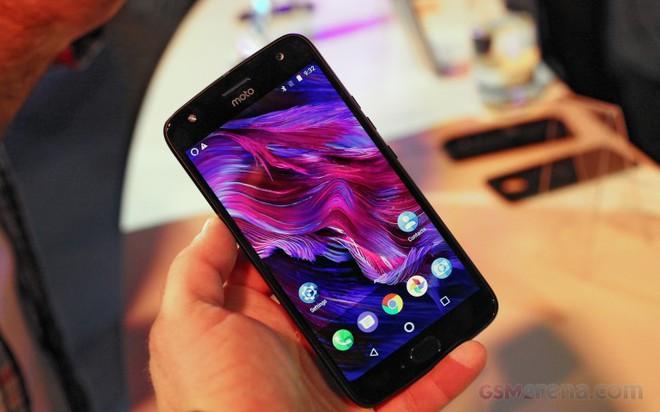 Moto X4 có cấu hình tương đối ổn với một chiếc điện thoại tầm trung.