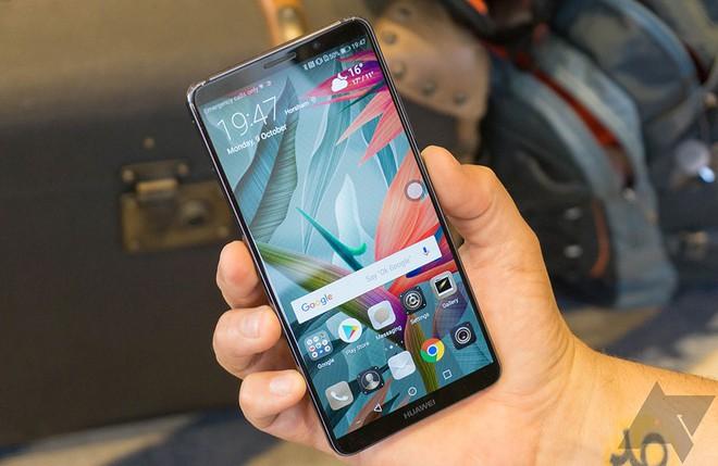 Tính năng dịch offline tận dụng sức mạnh phần cứng lần đầu tiên xuất hiện trên thiết bị di động với Huawei Mate 10