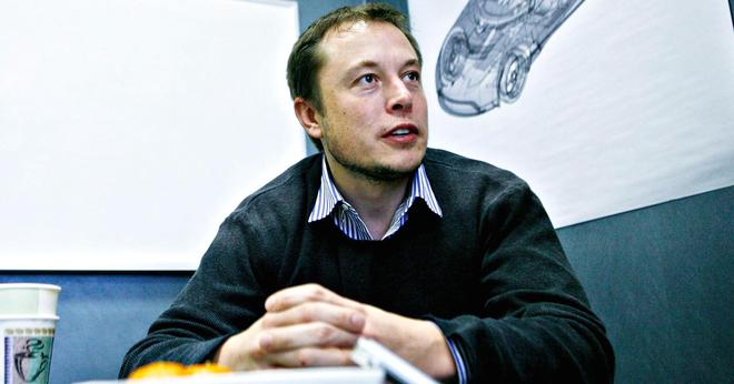 Elon Musk vốn là một mọt sách
