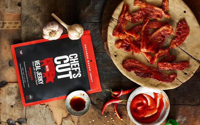 Một túi ba chỉ (bacon) xông khói của thương hiệu Chefs Cut Real Jerky