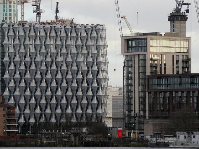 Trụ sở ngoại giao mới của Mỹ đang được di dời từ khu phố cổ Mayfair sang khu công nghiệp Nine Elms ở bờ nam sông Thames