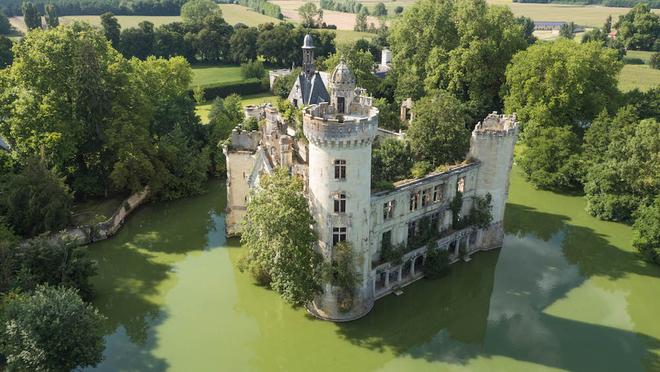 Pháp: Hơn 6500 cư dân mạng góp tiền mua chung một tòa lâu đài - Ảnh 1.