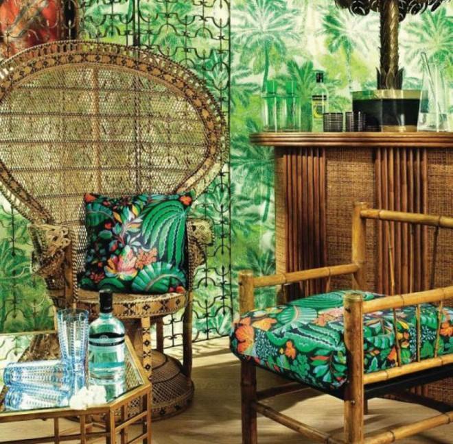 Những đồ nội thất bằng tre là một trong những lựa chọn hàng đầu dành cho Tropical Style. Sự đơn giản trong những chi tiết khớp nối, mùi thơm nhẹ của tre cùng trọng lượng nhẹ nhàng đáp ứng đầy đủ tiêu chí về xúc cảm vật liệu của phong cách nhiệt đới.
