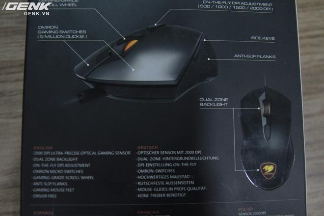 Các thông tin của chuột được in phía bên ngoài vỏ hộp